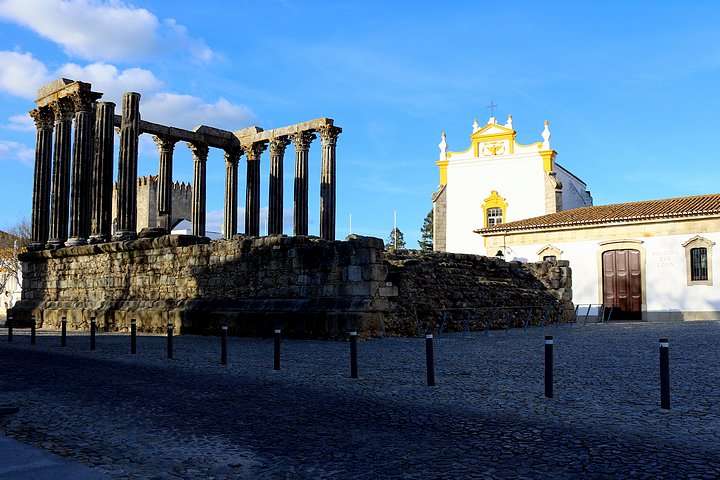 Roman Temple of Évora & Pousada